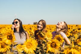 girls sunflowers